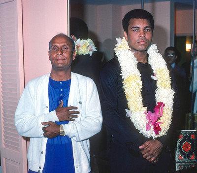 Muhammad-Ali-Sri-Chinmoy-09-29-1977_29-b2-01