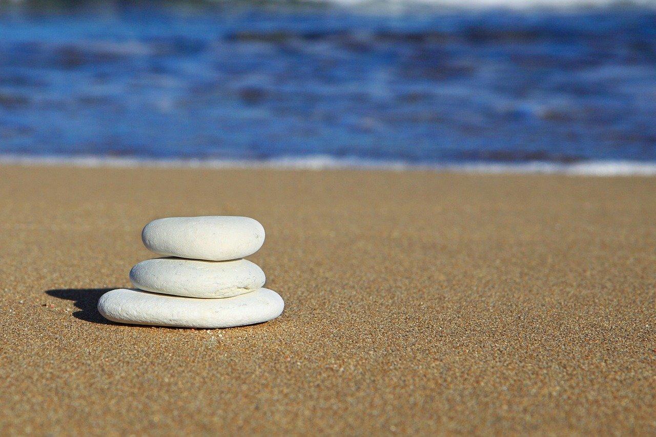 beach-15712_1280 (1)