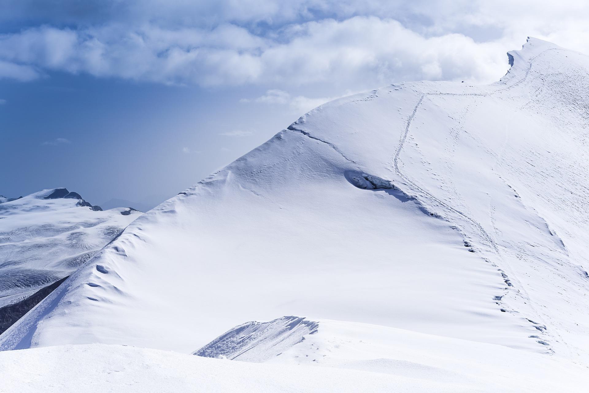 mountain-4628685_1920